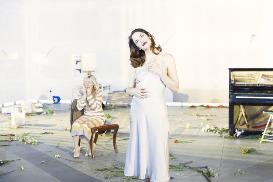 Hedda Gabler - NT Live