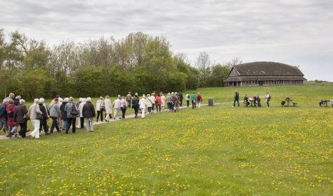 Rundvisning på Vikingeborgen Trelleborg